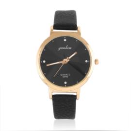Zegarek damski na czarnym pasku - Z1053
