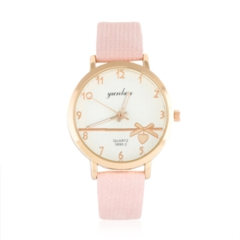 Zegarek damski na wytłaczanym pasku - Love Z1054