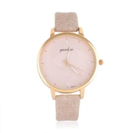 Zegarek damski na beżowym pasku - Z1062