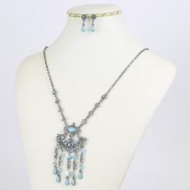 Komplet biżuterii - niebieskie kamienie - KOM170