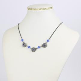 Naszyjnik z niebieskimi koralikami - NA1554