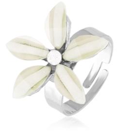 Pierścionek z regulacją kremowy kwiatuszek PIER113