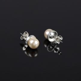 Kolczyki czeskie perła ecru 0,8cm 48/31 EA2818