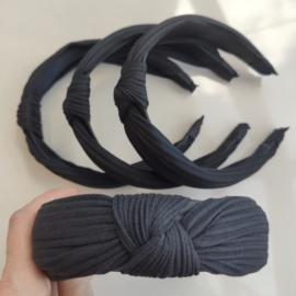 Opaska z węzłem, supłem plisy czarna - OPS482