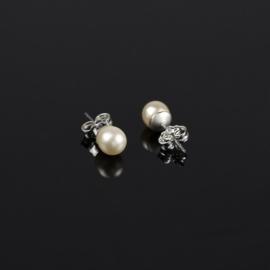 Kolczyki czeskie perła ecru 0,6cm 43/104 EA2873