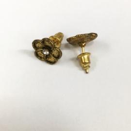 Kolczyki sztyfty - kwiatki EA3918